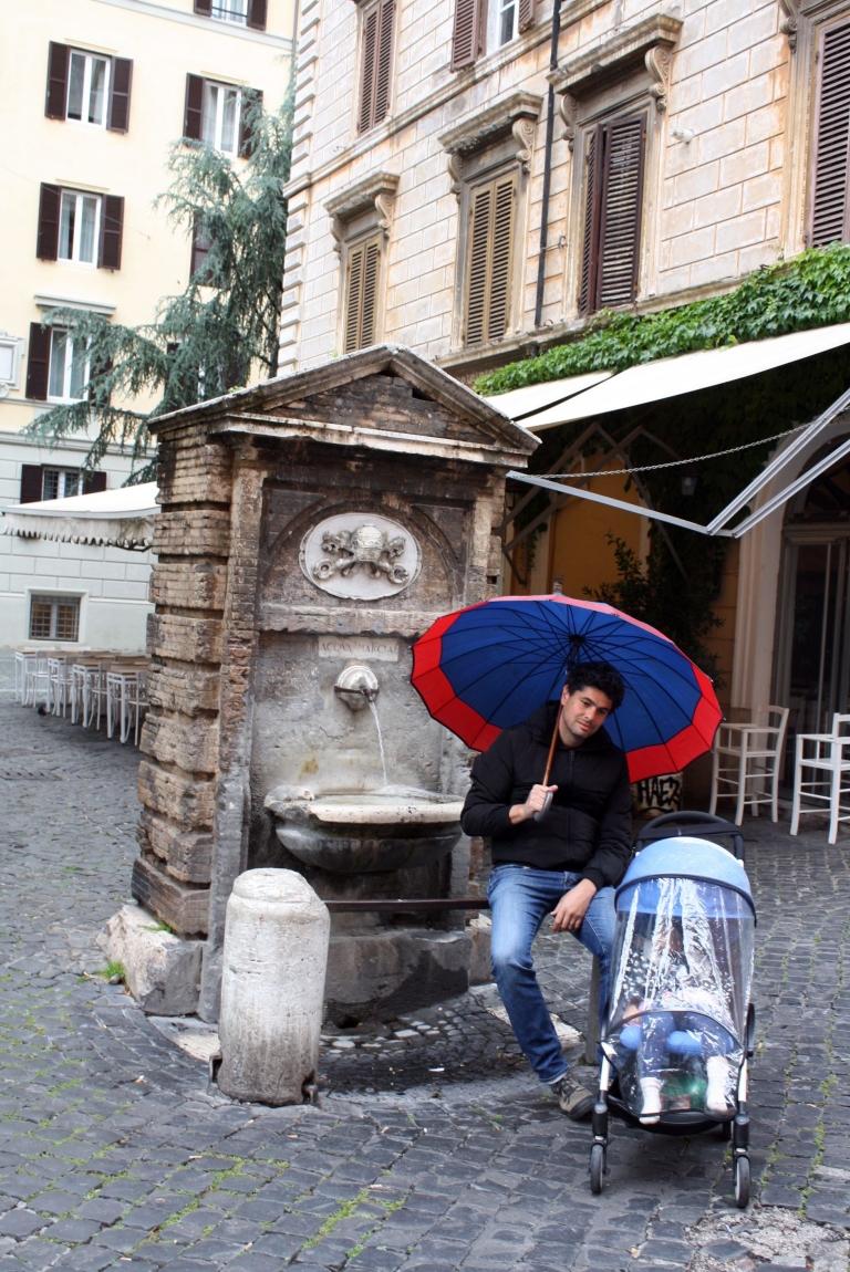 rome sous la pluie